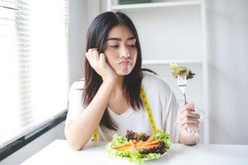 サラダ 女性