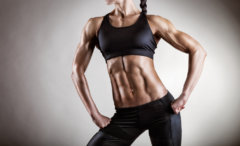 パーソナルトレーニングジムで鍛え上げた筋肉