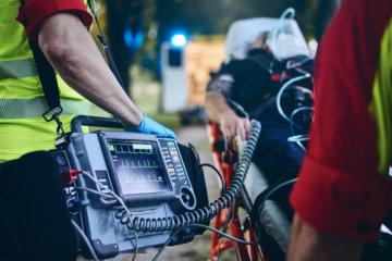 救命措置とトレーナーの関係性の画像