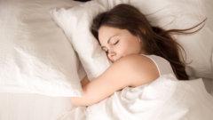 『睡眠不足だと筋トレの効果が台無しに?』