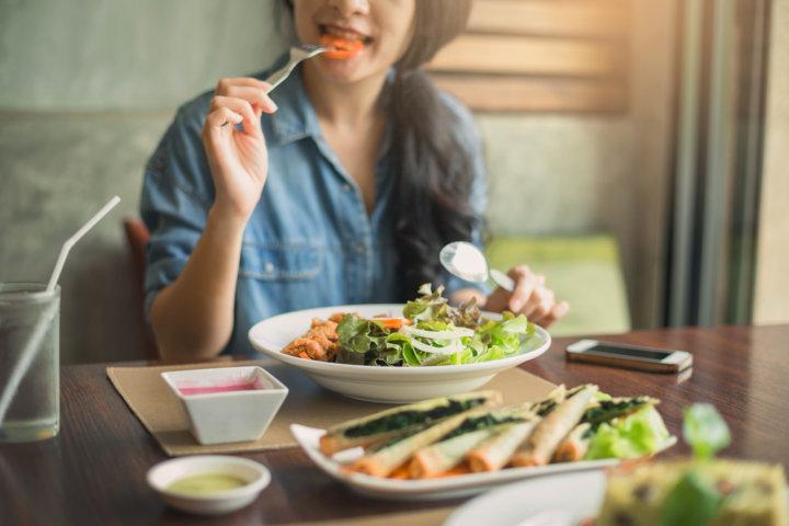 空腹感は血糖値が関係。食欲は別もの?(練馬・江古田のパーソナル ジム監修)の画像