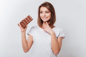 チョコでダイエットする女性